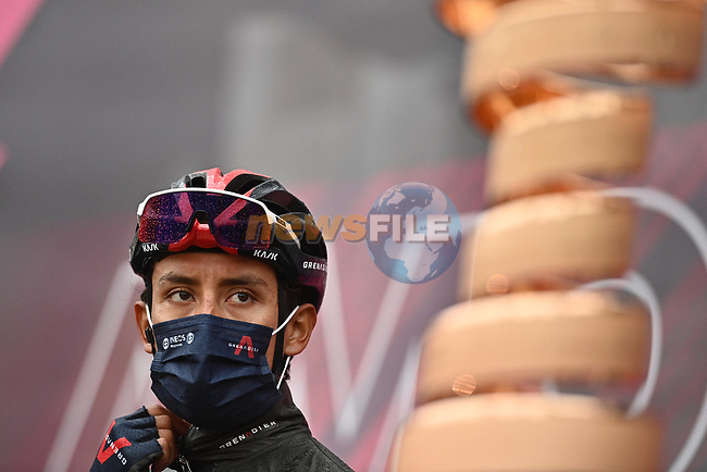 Egan Bernal (COL) Ineos Grenadiers at sign on before the start of Stage 4 of the 2021 Giro d'Italia, running 187km from Piacenza to Sestola, Italy. 11th May 2021.  <br /> Picture: LaPresse/Gian Mattia D'Alberto | Cyclefile<br /> <br /> All photos usage must carry mandatory copyright credit (© Cyclefile | LaPresse/Gian Mattia D'Alberto)