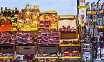 Italien, Suedtirol (Trentino-Alto Adige), Eisacktal, Brixen: Marktstand mit Suedtiroler Spezialitaeten | Italy, South Tyrol (Trentino-Alto Adige), Bressanone: market stand with South Tyrolean specialities