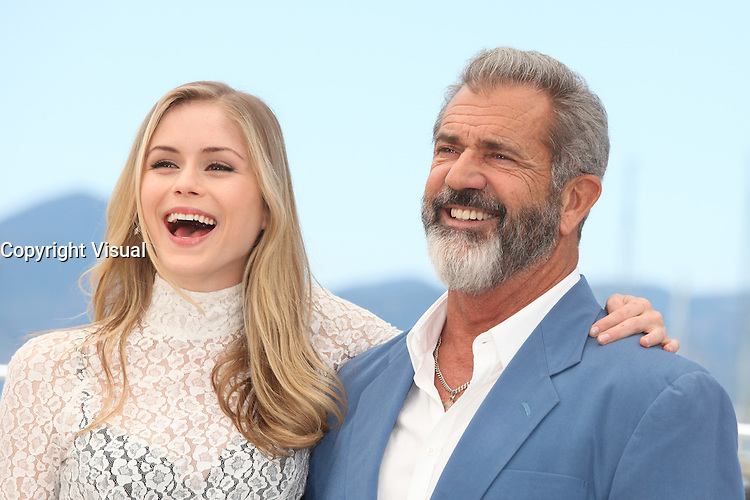 ERIN MORIARTY AND MEL GIBSON - PHOTOCALL OF THE FILM 'BLOOD FATHER' AT THE 69TH FESTIVAL OF CANNES 2016