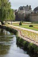 France, Morbihan (56),  Vannes: Remparts et jardins du château de l'Hermine  // France, Morbihan (56) Vannes: Walls and gardens of the castle of Hermine