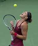 Lucie Safarova (CZE) defeats Venus Williams (USA) 6-7, 6-3, 6-4