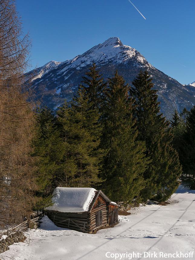 Seilbahn und Piste zur Mittelstation, Ski-Gebiet Hochimst bei Imst, Tirol, Österreich, Europa<br /> skilift and piste, skiing area Hochimst, Imst, Tyrol, Austria, Europe