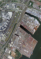 aerial photo map of Port of Newark and the runways of Newark Liberty International Airport (EWR), Newark, New Jersey