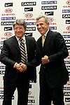 Atletico de Madrid's president Enrique Cerezo and new coach Javier Aguirre during his presentation at Vicente Calderon stadium in Madrid. Wednesday, May 24, 2006. (ALTERPHOTOS / ALVARO HERNANDEZ)