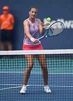 MIAMI GARDENS, FL - MARCH 26: KarolÌna Pliskova Vs Zheng Saisai at the 2021Miami Open at Hard Rock Stadium on March 26, 2021 in Miami Gardens, Florida. <br /> CAP/MPI04<br /> ©MPI04/Capital Pictures