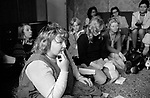 Erin Pizzey, Chiswick Womens Aid, Richmond 1975. House meeting.