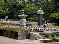 Mönchsgräber beim buddhistischen Tempel Heinsa nahe Daegu, Provinz Gyeongsangnam-do, Südkorea, Asien, UNESCO Weltkulturerbe<br /> tombs of monks, temple heinsa near Daegu,  province Gyeongsangbuk-do, South Korea, Asia, UNESCO world-heritage