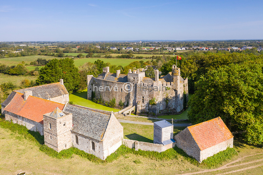 France, Manche, Cotentin, Pirou, Chateau de Pirou, fortified castle dated 12th century (aerial view) // France, Manche (50), Cotentin, Pirou, château de Pirou, château fort du XIIe siècle (vue aérienne)