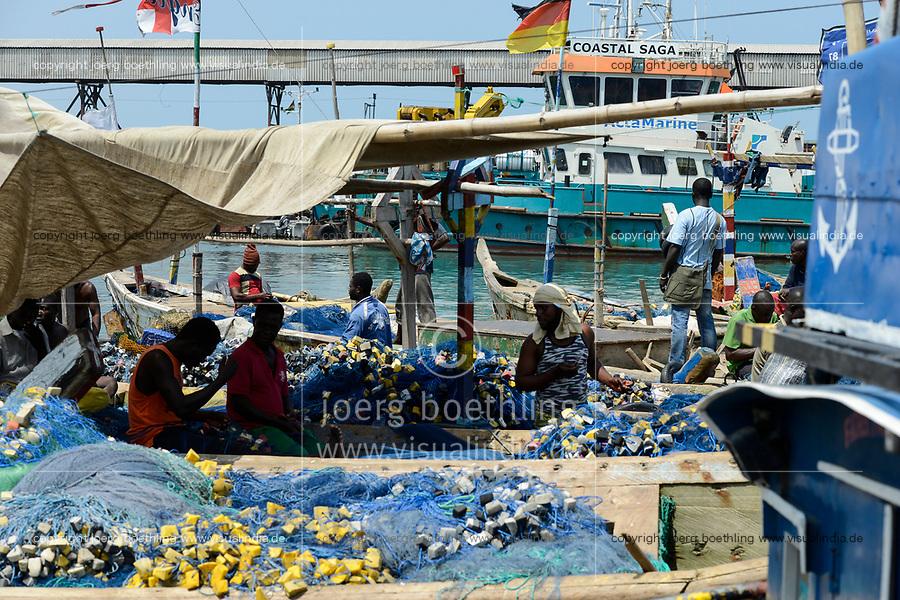 TOGO, Lome, fishing harbor, boats of coast fishermen / Fischerei Hafen, Küstenfischerei