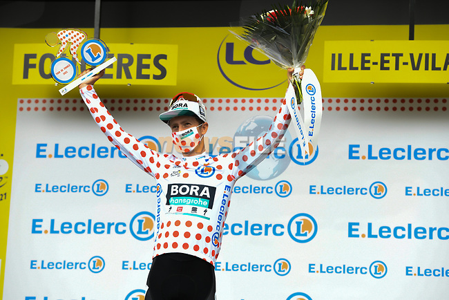 Ide Schelling (NED) Bora-Hansgrohe retains the mountains Polka Dot Jersey at the end of Stage 4 of the 2021 Tour de France, running 150.4km from Redon to Fougeres, France. 29th June 2021.  <br /> Picture: A.S.O./Charly Lopez | Cyclefile<br /> <br /> All photos usage must carry mandatory copyright credit (© Cyclefile | A.S.O./Charly Lopez)