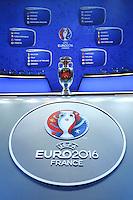 I Gruppi e la coppa <br /> Parigi 12-12-2015 Sorteggio fase finale Euro 2016 campionato Europeo di Calcio per Nazioni Francia 2016 <br /> Foto Gwendoline Le Goff Panoramic / Insidefoto