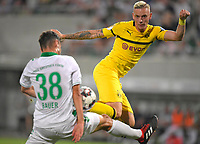 20.08.2018, Football DFB Pokal 2018/2019, 1. round, SpVgg Greuther Fuerth - Borussia Dortmund, Sportpark Ronhof in Fuerth. Marius Wolf (re, Dortmund)  -  Maximilian Bauer (Greuther Fuerth).<br /><br /><br />***DFB rules prohibit use in MMS Services via handheld devices until two hours after a match and any usage on internet or online media simulating video foodaye during the match.***  *** Local Caption *** © pixathlon<br /> <br /> Contact: +49-40-22 63 02 60 , info@pixathlon.de