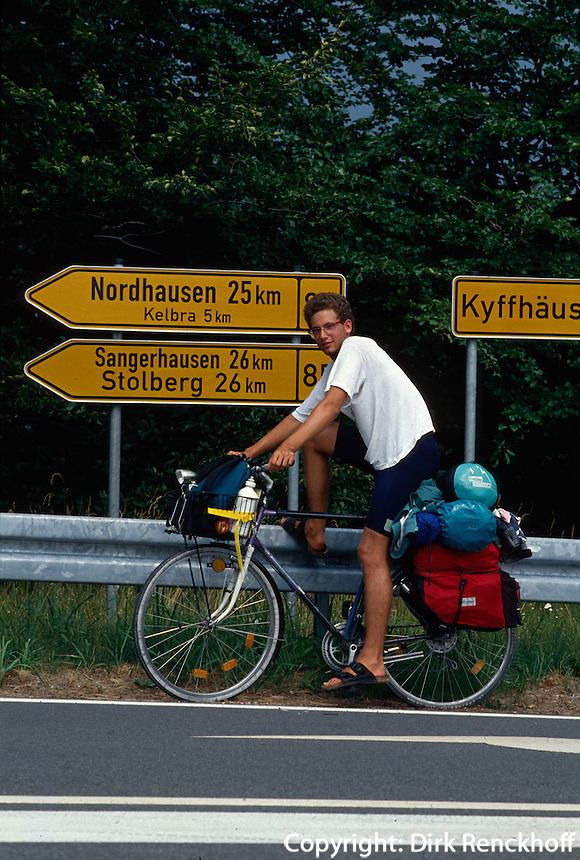 Deutschland, Radwanderer am Kyffhäuser