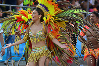 BARRANQUILLA - COLOMBIA, 03-03-2019: Carolina Segebre, reina del Carnaval, anima al público durante el desfile Gran Parada del Carnaval de Barranquilla 2019, patrimonio inmaterial de la humanidad, que se lleva a cabo entre el 2 y el 5 de marzo de 2019 en la ciudad de Barranquilla. / Carolina Segebre, Carnival queen, cheer the public during the Gran Parada de Fantasia as part of the Barranquilla Carnival 2019, intangible heritage of mankind, that be held between March 2 to 5, 2019, at Barranquilla city. Photo: VizzorImage / Alfonso Cervantes / Cont.