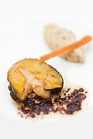 Europe/France/Bretagne/29/Finistère/Brest: Petits ormeaux des abers juste saisis au beurre, de dulse, une algue- recette d'  Yvon Morvan restaurant: L'Armen