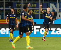 Calcio, Serie A: Inter vs Juventus. Milano, stadio San Siro, 18 settembre 2016.<br /> Inter's Ivan Perisic, right, celebrates after scoring the winning goal during the Italian Serie A football match between FC Inter and Juventus at Milan's San Siro stadium, 18 September 2016. Inter won 2-1.<br /> UPDATE IMAGES PRESS/Isabella Bonotto
