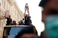Federico Bernardeschi, Leonardo Spinazzola, Salvatore Sirigu and Leonardo Bonucci while the Italian national team carries the UEFA Euro 2020 cup around Rome on an open bus, welcomed by thousands of supporters. The bus left from piazza Colonna and has reached Piazza Venezia.<br /> Rome (Italy), July 12th 2021<br /> Photo Samantha Zucchi Insidefoto
