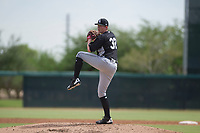 Chicago White Sox pitcher Cameron Seitzer (32) delivers a pitch to the plate during an Instructional League game against the San Diego Padres on September 26, 2017 at Camelback Ranch in Glendale, Arizona. (Zachary Lucy/Four Seam Images)