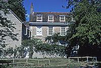 Warborough: Stone houses. Photo '05.