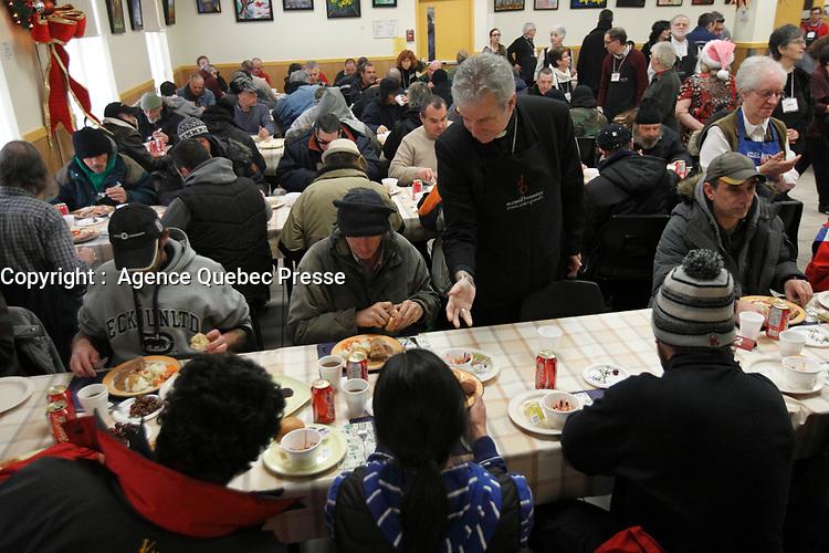 Monseigneur Lépine a l'acceuil Bonneau, 15 janvier 2015<br /> <br /> PHOTO : Agence Quebec Presse