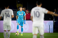 CARSON, CA - SEPTEMBER 15: David Bingham #1 of the Los Angeles Galaxy looks for an open man during a game between Sporting Kansas City and Los Angeles Galaxy at Dignity Health Sports Park on September 15, 2019 in Carson, California.