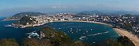 Europe/Espagne/Guipuscoa/Pays Basque/Saint-Sébastien: La Baie de la Concha vue depuis le Mont Igueldo