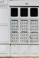 France, Midi-Pyrénées, Tarn-et-Garonne, (82), Caylus : Détail vieille  porte    // France, Midi Pyrenees, Tarn et Garonne, Caylus:  Old door