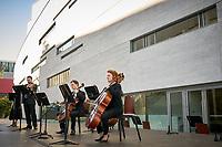 Spectacle de l OSM en plein air au Quartier des Spectacles, le 31 aout 2020 apres le confinement du au COVID 19