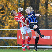 Aster Janssens  of Standard (5) pictured in a duel with Elle Decorte (7 Brugge) during a female soccer game between Standard Femina de Liege and Club Brugge YLA on the seventh matchday of the 2020 - 2021 season of Belgian Scooore Womens Super League , saturday 14 th of November 2020  in Angleur , Belgium . PHOTO SPORTPIX.BE | SPP | DAVID CATRY