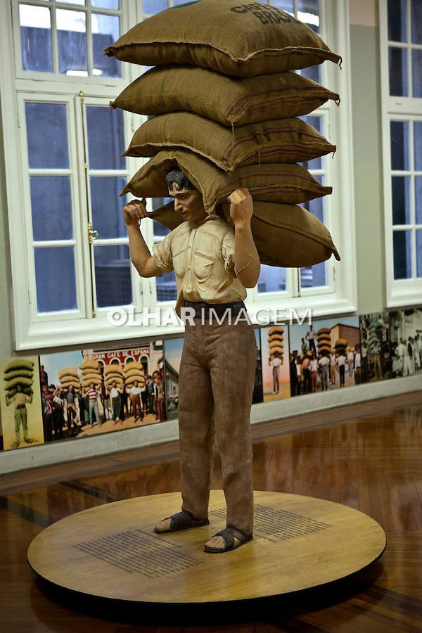 Exposiçao do Museu do Cafe, antiga Bolsa Oficial de Cafe. Santos. Sao Paulo. 2011. Foto de Rogerio Reis..