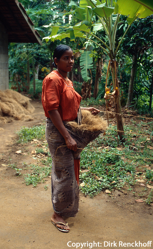 Indien, Backwaters von Cochin (Kerala), Verarbeitung von Kokosfasern