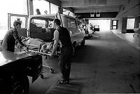 Ambulances a l'Hopital Sacre-Coeur,<br /> 15 mai 1974