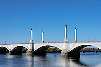 Memorial Bridge over the Connecticut River, Springfield, Massachusetts, USA