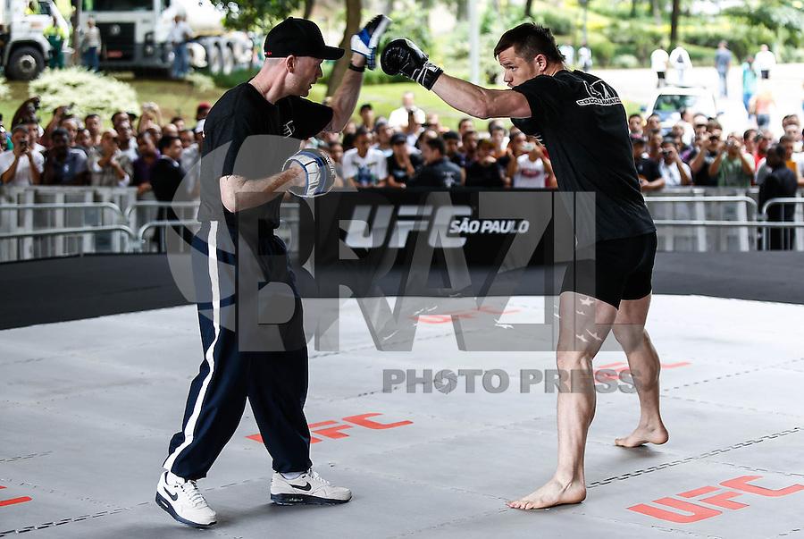 SAO PAULO, SP, 16 DE JANEIRO 2013 - UFC TREINOS ABERTOS - O lutador peso medio Michael Bisping  durante treinos abertos do UFC no Vale do Anhangabau nesta quarta-feira, 14. (FOTO: ADRIANA SPACA / BRAZIL PHOTO PRESS).