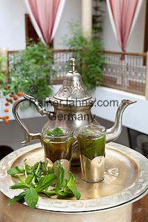 Morocco, Marrakech: Moroccan Mint Tea | Marokko, Marrakesch: marokkanischer Pfefferminztee