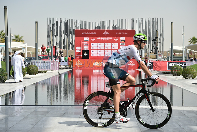 British National Champion Steve Cummings (GBR) Team Dimension Data at sign on before the start of Stage 2 of the 2018 Abu Dhabi Tour, Yas Island Stage running 154km from Yas Mall to Yas Beach, Abu Dhabi, United Arab Emirates. 22nd February 2018.<br /> Picture: LaPresse/Massimo Paolone | Cyclefile<br /> <br /> <br /> All photos usage must carry mandatory copyright credit (© Cyclefile | LaPresse/Massimo Paolone)