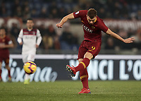 Football, Serie A: AS Roma - Bologna FC, Olympic stadium, Rome, February 18, 2019. <br /> Roma's Edin Dzeko in action during the Italian Serie A football match between AS Roma and Bologna FC at Olympic stadium in Rome, on February 18, 2019.<br /> UPDATE IMAGES PRESS/Isabella Bonotto
