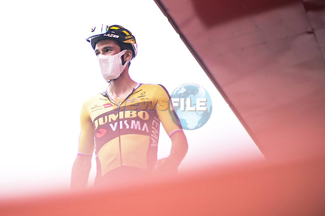 Primoz Roglic (SLO) Jumbo-Visma at sign on before the start of Stage 17 of La Vuelta d'Espana 2021, running 185.8km from Unquera to Lagos de Covadonga, Spain. 1st September 2021.     <br /> Picture: Unipublic/Charly Lopez | Cyclefile<br /> <br /> All photos usage must carry mandatory copyright credit (© Cyclefile | Charly Lopez/Unipublic)