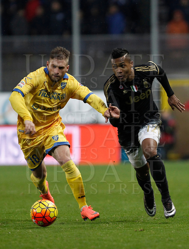 Calcio, Serie A: Frosinone vs Juventus. Frosinone, stadio Comunale, 7 febbraio 2016.<br /> Frosinone's Federico Dionisi, left, is challenged by Juventus' Alex Sandro during the Italian Serie A football match between Frosinone and Juventus at Frosinone's Comunale stadium, 7 January 2016.<br /> UPDATE IMAGES PRESS/Isabella Bonotto