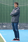 Andreu Enrich (Trainer, Cheftrainer, MHC) mit verschränkten Armen, am Spielfeldrand, an der Seitenauslinie, Freisteller, Ganzkörper, Einzelbild, Aktion, Action, 01.05.2021, Mannheim  (Deutschland), Hockey, Deutsche Meisterschaft, Viertelfinale, Herren, Mannheimer HC - Harvestehuder THC <br /> <br /> Foto © PIX-Sportfotos *** Foto ist honorarpflichtig! *** Auf Anfrage in hoeherer Qualitaet/Aufloesung. Belegexemplar erbeten. Veroeffentlichung ausschliesslich fuer journalistisch-publizistische Zwecke. For editorial use only.