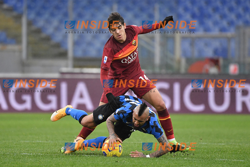 Arturo Vidal of Inter and Gonzalo Villar of Roma  during the Serie A football match between AS Roma and FC Internazionale at Olimpico stadium in Roma (Italy), January 10th, 2021. Photo Andrea Staccioli / Insidefoto