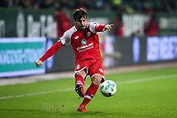Football: Germany, 1. Bundesliga, SV Werder Bremen vs FSV Mainz 05, Bremen, 16.12.2017,<br /> Giulio Donati (2, 1. FSV Mainz 05) *** Local Caption *** <br /> Contact: +49-40-22 63 02 60 , info@pixathlon.de