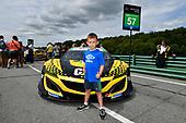 #57 Heinricher Racing w/Meyer Shank Racing Acura NSX GT3, GTD: Katherine Legge, Alice Powell grid walk