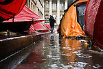 Despite 6 weeks of camping in the street, negotiations with the Government have stalled. Winter is approaching and no one knows what the exit will be, and when. But the campers of the Rue de la Banque have succeeded in raising public awareness about an issue often forgotten of French society.