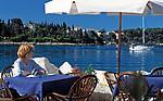 "Kroatien, Istrien, Rovinj: ""Perle Istriens"" Altstadt - Frau alleine im Strassencafe | Croatia, Istria, Rovinj: ""Perl of Istria"" old town - woman at cafe"