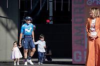 Richard Carapaz (ECU/Movistar) wins the 102nd Giro d'Italia & brings his kids to the final podium cermony<br /> <br /> Stage 21 (ITT): Verona to Verona (17km)<br /> 102nd Giro d'Italia 2019<br /> <br /> ©kramon