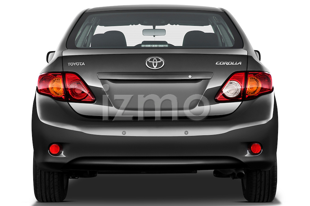 Straight rear view of a 2010 Toyota Corolla Linea Sol 4 Door Sedan