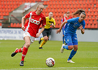 Standard's Lisa Petry (21) (with the ball) and Genk's Fleur Bienkens (23) in action during a female soccer game between Standard Femina de Liege and KRC Genk Ladies  on the third matchday of the 2020 - 2021 season of Belgian Womens Super League , Saturday 3 rd of October 2020  in Liege , Belgium . PHOTO SPORTPIX.BE   SPP   SEVIL OKTEM