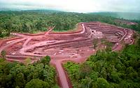 Mina de Ouro do Igarapé Bahia explorada pela CVRD-Companhia Vale do Rio Doce em Carajás no sul do Pará- Brasil.<br /> ©Foto: Paulo Santos/Interfoto.<br /> 1998<br /> Negativo Cor 135 Nº 6223 T2 F6
