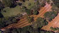 SAO PAULO, SP, 23/04/2020 - Cemiterio Vila Formosa  Covid-19 -SP- Vista aerea do Cemiterio da Vila Formosa, onde valas foram abertas para receber os corpos de vitimas do Covid-19 na cidade de Sao Paulo, SP, nesta quinta-feira (23). (Foto: Marivaldo Oliveira/Codigo 19/Codigo 19)